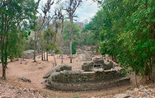 Copan-ruins-by-Paloma-Bone