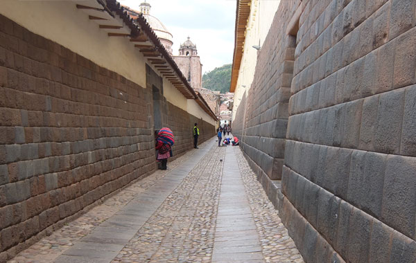 Cusco-pathway-by-Andrea-Holbrook-blog-inline.jpg