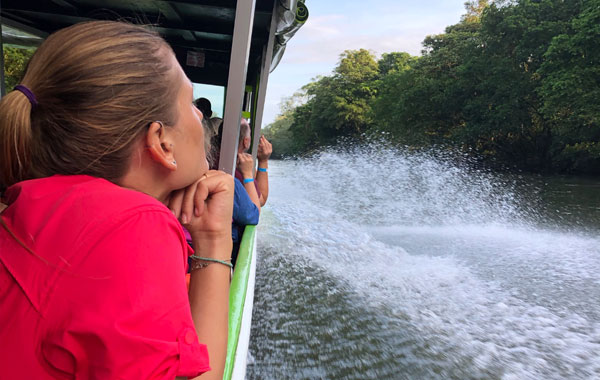 NQ-boat-ride-Stefanie-Plein