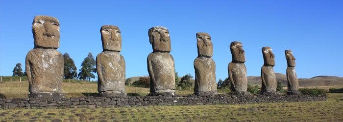 Easter Island by Arian Zwegers.jpg