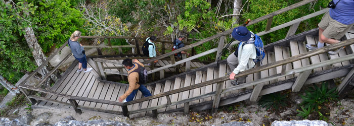 Guide-leading-in-Guatemala-by-Laura-Hare.jpg