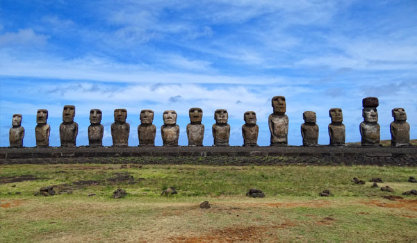 Moai-of-Ahu-Tongariki-by-Bjorn-Christian-Torrissen-blog