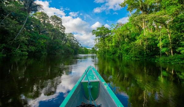 Boat-on-river-stock-blog